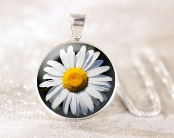 Sterling Silver Daisy Necklace - White Flower Necklace, Sterling Silver Floral Jewelry, Wildflower Jewelry, Nature Necklace, Genuine Silver