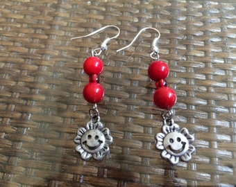 Smiley Face Flower Dangle Earrings with Red