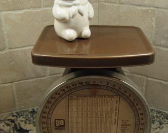 Pelouze Postal Scale, 1985, Brown Metal Scale, 50 lb, Industrial Decor