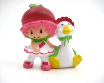 Vintage Strawberry Shortcake PVC Cherry Cuddler with Pet Gooseberry, Friends Mini-Figure