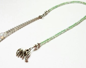 Himalaya-beaded bookmark in light green color and elephant charm,book tong,beaded book tong,bookmarks,elephant charm
