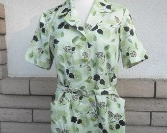 Vintage Botanical Shirt Waist Dress . Sage Green Belted Shift Dress . M-L