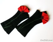 Red poppies. Elegant black felted fingerless gloves. Black with red poppy. Dance, Carmen style,statement accessory. Felted wool mittens