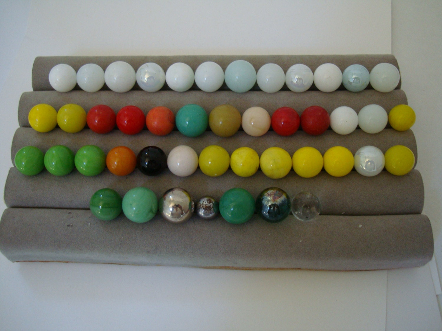 Solid Color Marbles : Glass marbles are mostly solid color all machine