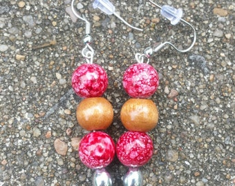 Red and wood dangle bead earrings