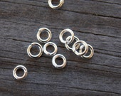 500 Silver Plated Jump Rings Round Open 4mm 21 Gaugee
