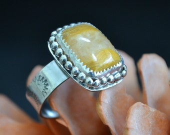 yellow agate sterling silver ring.  size 7.5