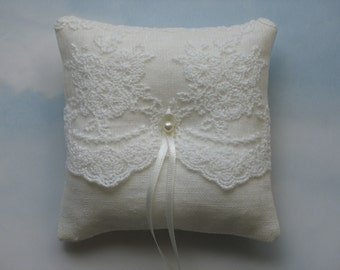 Linen ring pillow. Ivory wedding ring cushion.