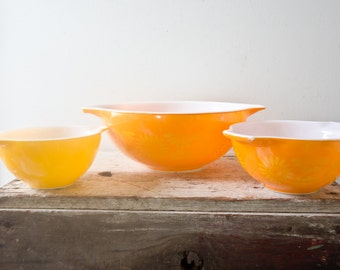 Vintage Pyrex Nesting Bowls Daisy Bowls Yellow Orange Casserole Milk Glass Bowl Dish China Bowl Daisy Pattern - Orange Yellow Flowers