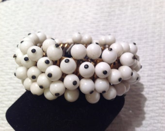 Sale Vintage Milkglass Spandex Bracelet Beautiful Free Shipping