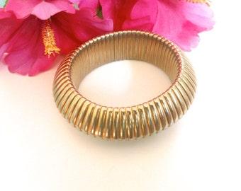 Gold Tone Expansion Bracelet Signed Hi Fashion Statement Jewelry