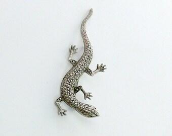 little gecko  brooch