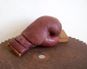 Antique boxing glove burgundy leather left hand sparring glove great condition autographable piece Benlee glove