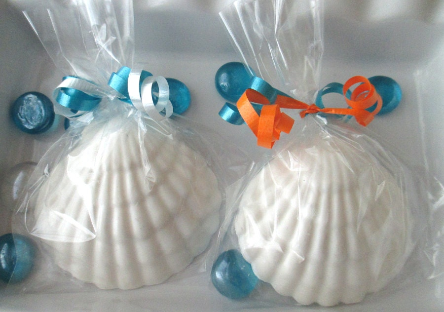 24 seashell favors candy seashells beach wedding favors for Beach themed wedding favors