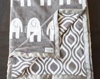 Minky Blanket, Elephant Blanket, Animal blanket, baby boy blanket, baby girl blanket, Dolce Vita, Grey blanket, Elefante Oyster, baby gift