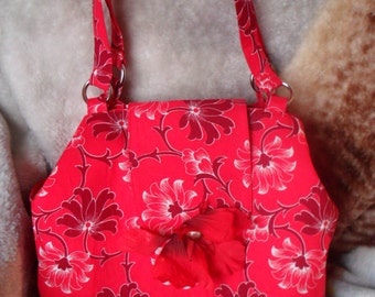 Tote / red and maroon flower / flower on flap / red and maroon bag