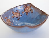 Stunning Sea Turtle Bowl (22 oz) by Clay Creature Comforts