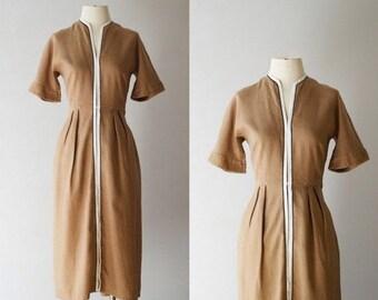 "Mid-Century *Dutch Cocoa* linen day dress // M - 29"" waist"