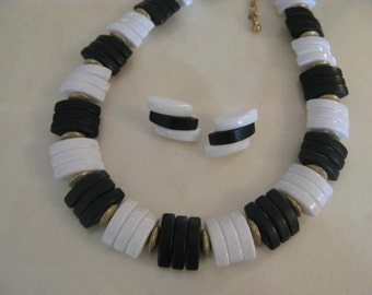 Vintage Black & White Lucite Necklace and earring set