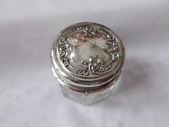Antique Victorian Repousse Flowers Silver Lid Glass Dresser