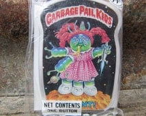 Vintage Garbage Pail Kids MUTANT! gpk Card Button Pin Back Plastic Card Topps 1986 Unopened Gag Gift Party 80s GPK Collectible 1980s VTG