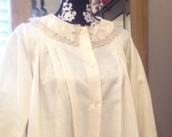 Vintage Corhan Noumair Ecru Satin and Lace Bed Jacket Size Medium Lightly Worn