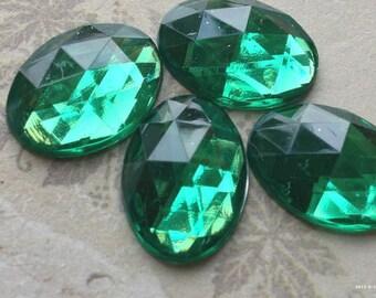 13 x 18 mm Oval Shape Emerald Colour (Silver Base)  Flat Back Acrylic Rhinestone Cabochons(.mnu)