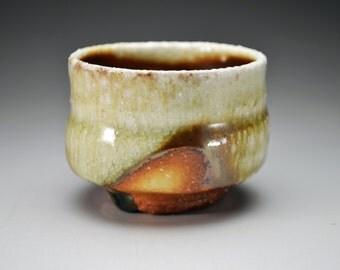 Shigaraki, anagama, ten-day anagama wood firing, with natural ash deposits sake cup. gui-03