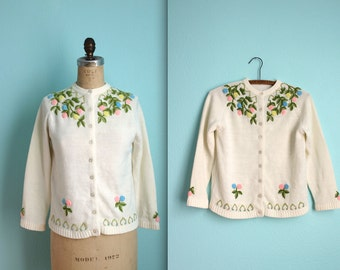 vintage 60s acrylic embroidered cardigan sweater / cream / pastel flowers / size small