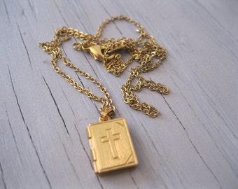 Vintage Gold Tone Bible Locket - Religious Necklace Charm - Vintage Locket Bible Charm