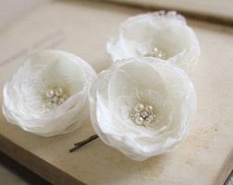 Ivory Bridal Flower Hair Clips, Ivory Hair Piece, Wedding Hair Accessory, Pearl Crystal Flower Hair Pins, Ivory Bridal Headpiece, Lace Clips