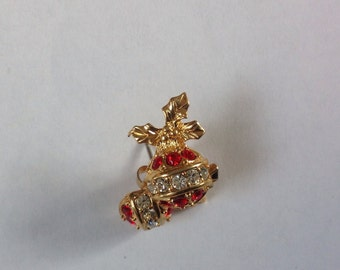 Vintage Avon Christmas earrings