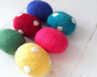 Merino Easter Eggs (5) Bright or Pastel Colours Polka dots Rainbow Wool Handmade Waldorf Party Favours Spring Decorations