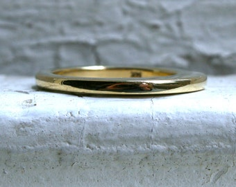 Domed Vintage 14K Yellow Plain Gold Wedding Band.