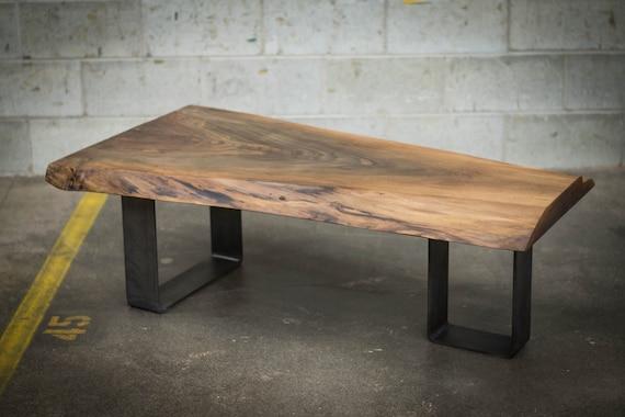 Live edge black walnut coffee table - Table bois et noir ...