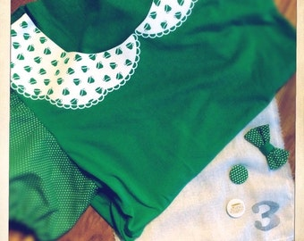 Kelly Green T-Shirt with Puffed Polkadot Sleeves and White Flock Peter Pan Teacup Lace Effect Collar.
