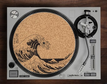 Turntable Slipmat - The Great Wave off Kanagawa  engraved Cork turntable slipmat with Reversable fabric Back