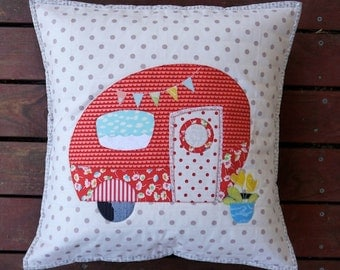 Poppies Van Applique Cushion pattern. PDF instand download