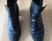 80s vintage black leather zipper foldable booties size 6