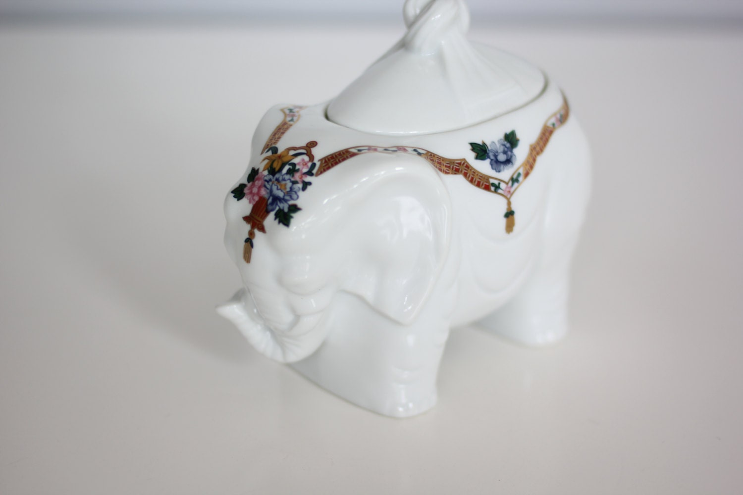 Vintage Elephant sugar bowl part of the 1986 chinoiserie ...