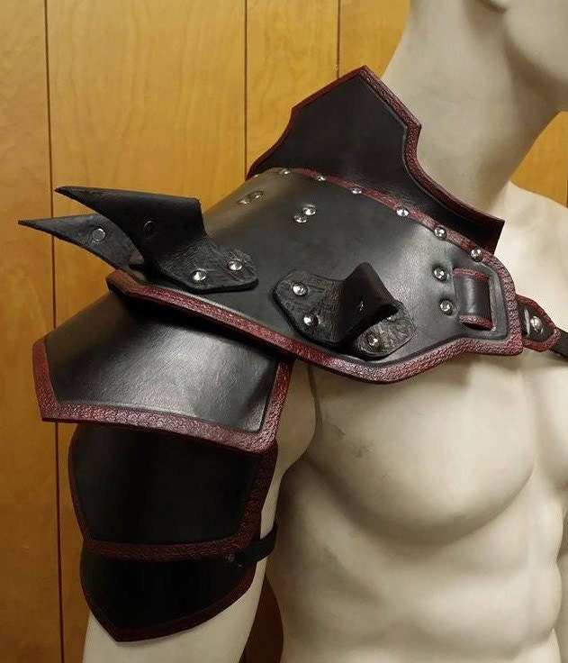 Spiked Leather Armor 30