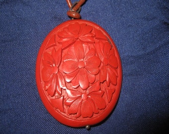Cinnabar pendant Vintage D.4,6 cm TOP