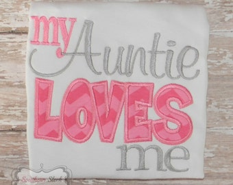 My Auntie Loves Me Shirt or Bodysuit in Pink & Gray