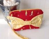 Red Mushroom Print Bow Wristlet - Wristlet with Bow - Small Bow Pouch - Gadget Case