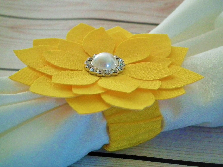 Crayon jaune tissu fleur rond de serviette rond de serviette - Serviettes de table en tissu ...