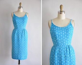 50s Blue Bloom dress / vintage 1950s floral wiggle dress/ 50s blue tulip sundress