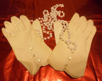 Vintage Nylon White Ladies Gloves With Outside Stitching And Buttons