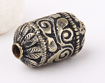 Handcarved Large Bali Bead, Silver Plated Bead, 17 mm, 1 piece // SBEA-046