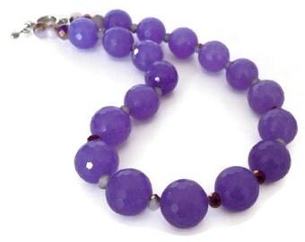 Purple Jade Necklace, Lilac Necklace, Purple Stone Necklace, Chunky Purple Necklace, Purple Statement necklace, Lavender Necklace, Pastel