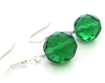 Green Earrings, Emerald Green Earrings, Kelly Green Earrings, Faceted Earrings, Green Drop Earrings, Green Dangle Earring, Green Jewelry